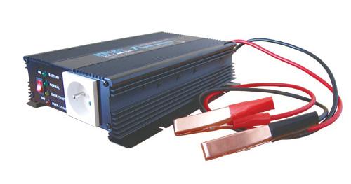 Menič napätia 12V/230V 600W CZ + nabíjačka autobatérií max.3A